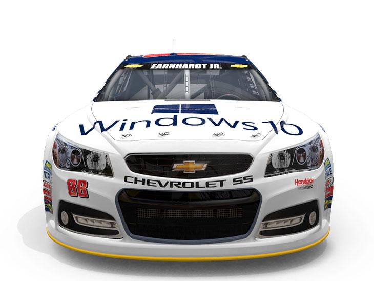 Автомобиль гоночной команды Hendrick Motorsports с логотипом windows 10