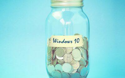 Деньги в стеклянной банке с надписью windows