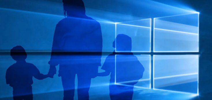 Семья на фоне эмблемы Windows 10