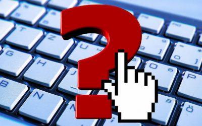 Вопрос на фоне клавиатуры